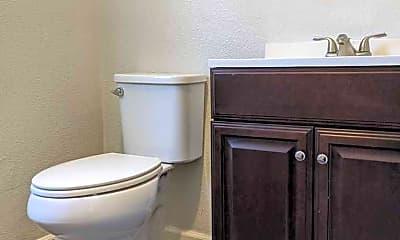 Bathroom, 323 N 11th St, 2