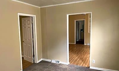 Bedroom, 917 N Lee St, 2