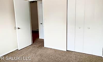 Bedroom, 405 E College, 1