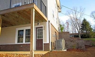 Building, 128 Leach Dr, 1