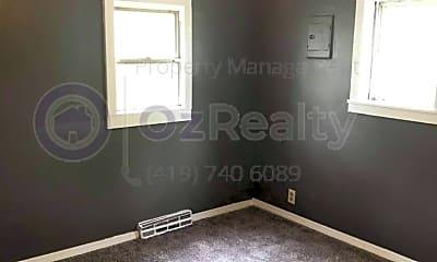 Bedroom, 564 Williamsville Ave, 1