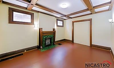 Bathroom, 184 Frambes Ave, 2