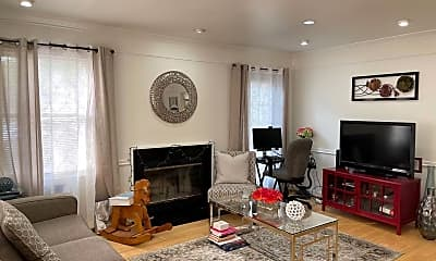 Living Room, 87 William Patterson Ct, 1