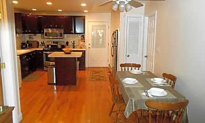 Dining Room, 126 Porter Ave 1, 1