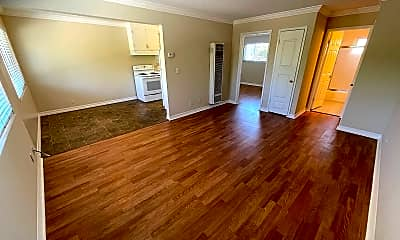 Living Room, 1290 Brookfield Ave, 1