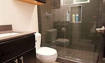 Bathroom, 152 Lincoln Ave, 2