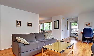 Living Room, 5 Unger Ln, 1