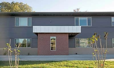 Building, 439 S Maple Ave, 1