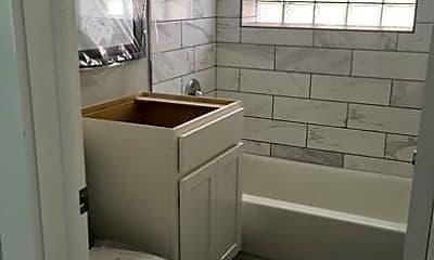 Bathroom, 305 Bluff Ave, 1