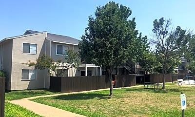 Irving Oaks, 0