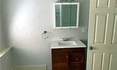 Bathroom, 594 River Ave, 2