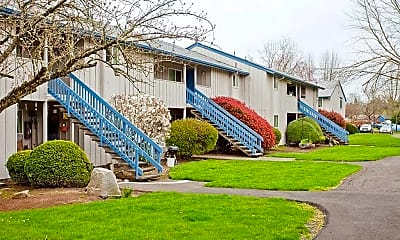 Woodland Creek Apartments, 1