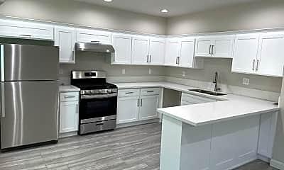 Kitchen, 1130 Browning Blvd, 2
