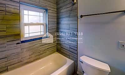 Bathroom, 1720 Linden Street C, 2