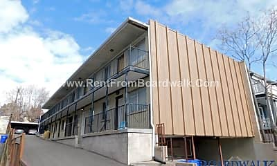 Building, 675 E 5th Ave, 1