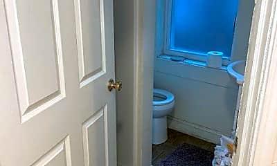Bathroom, 3349 1/2 Parkview Ave, 2