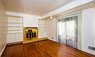 Living Room, 827 S Bond St 1, 1