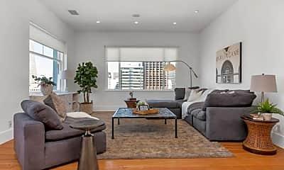 Living Room, 647 Stockton St, 1