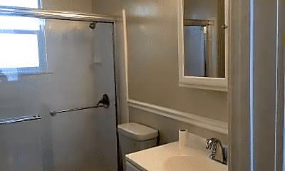 Bathroom, 2100 Alameda Ave, 2