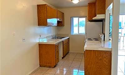 Kitchen, 482 Claydelle, 1