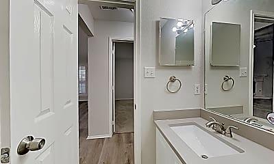 Bathroom, 4703 Topaz Ln, 2