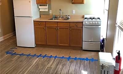 Kitchen, 2618 Oceanside Rd 4, 2