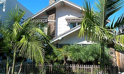 1423 Cabrillo Ave, 1