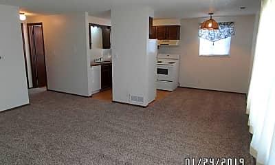 Living Room, 1611 Warren Ave, 1