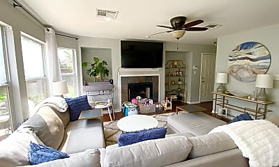 Living Room, 7000 Auckland Dr, 1