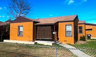 Building, 4507 E Pixley St, 1