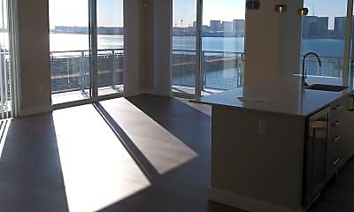 Living Room, 42 E Pier Dr, 1