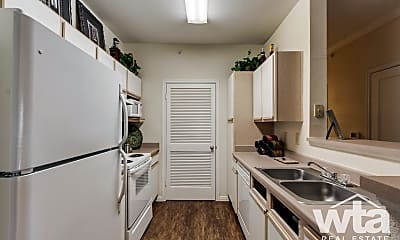 Kitchen, 5600 Babcock Rd, 2