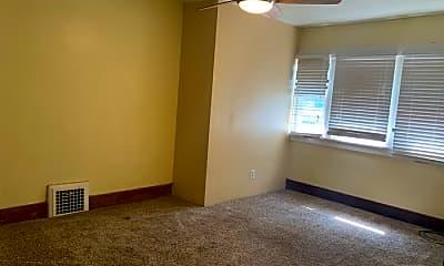 Bedroom, 735 N Grant Ave, 2