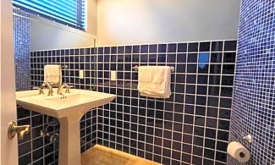Bathroom, 1301 Van Buren St, 1