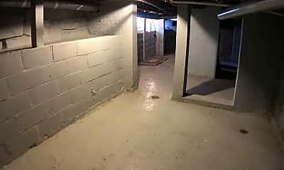 Bathroom, 2036 W 95th St, 2
