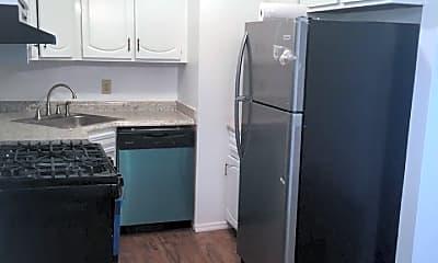 Kitchen, 68A Daffodil Ln, 1