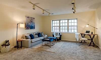 Living Room, 174 Lake Shore Rd 4, 0