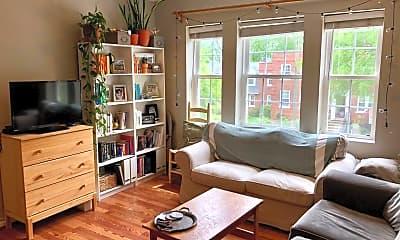 Living Room, 2021 Key Blvd, #626, 0