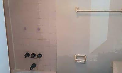 Bathroom, 93 Marsh St, 2