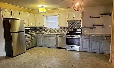 Kitchen, 4519 Versailles Dr, 1