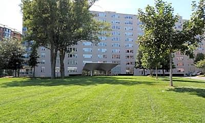 Building, 1020 North Quincy Apartments, 1