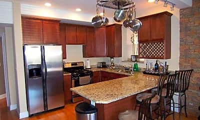 Kitchen, 5621 S Calumet Ave, 1