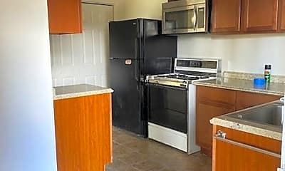 Kitchen, 636 Lakeview Dr, 0