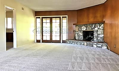 Living Room, 2307 S Moray Ave, 1