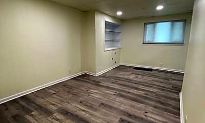 Living Room, 2122 Spring St, 1