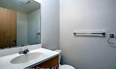 Bathroom, 910 N 104th St, 2