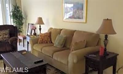Living Room, 10781 Crooked River Rd 102, 1