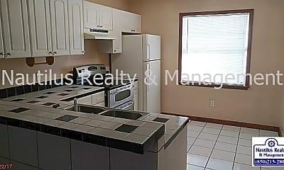 Kitchen, 117 Casa Pl, 1