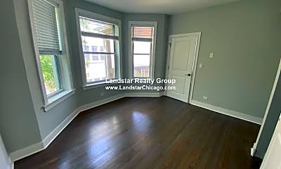 Living Room, 4113 N Damen Ave., 1