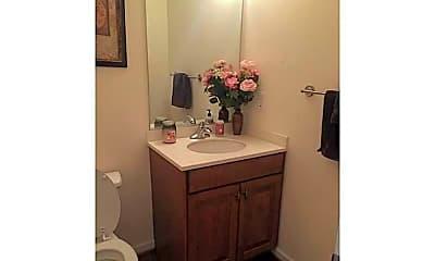 Bathroom, 14 Peppermint Way, 2